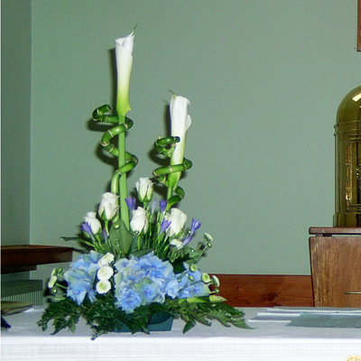 wedding altar flower arrangements white and blue altar flowers church flowers 8381