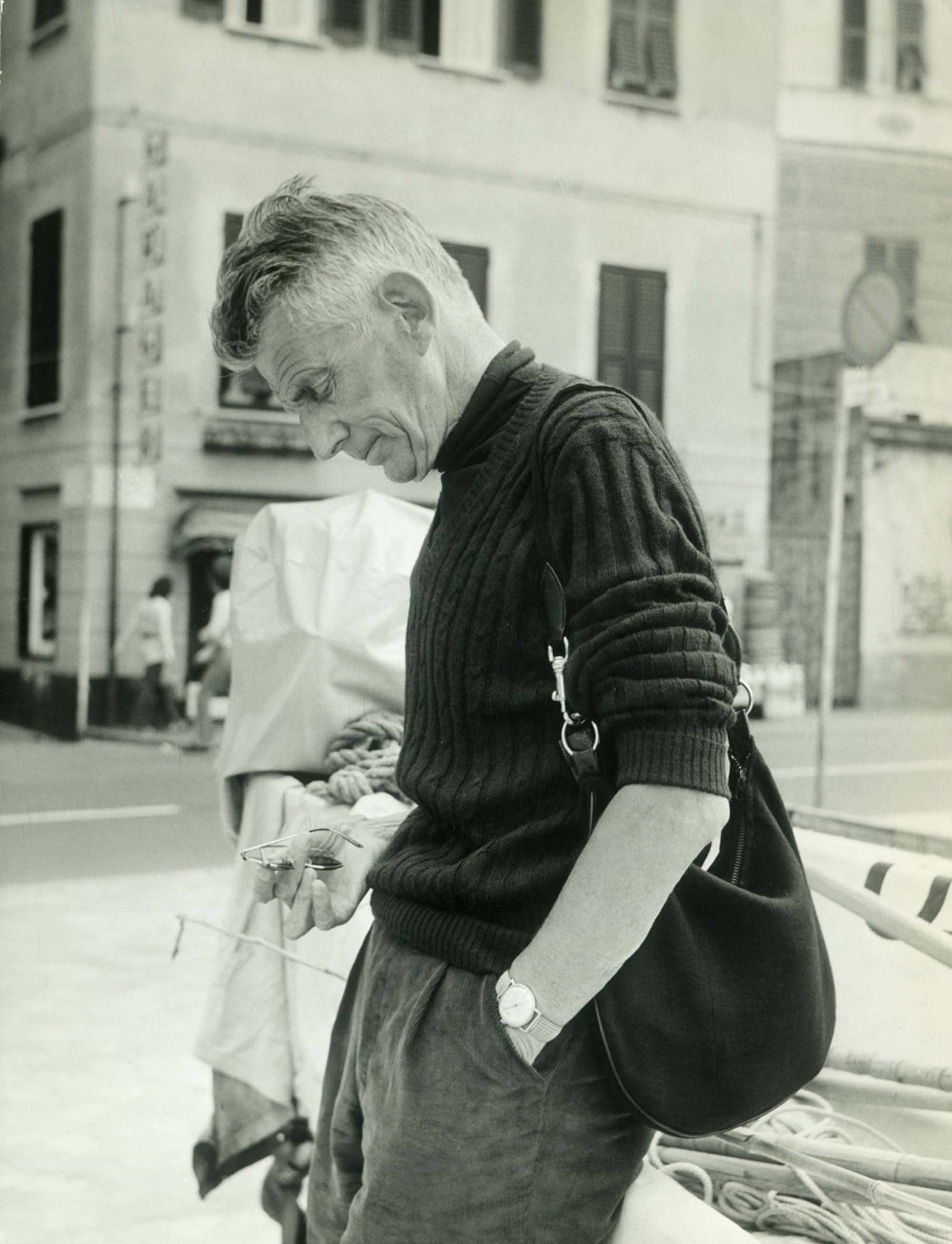 Samuel Beckett with his Gucci bag, 1971