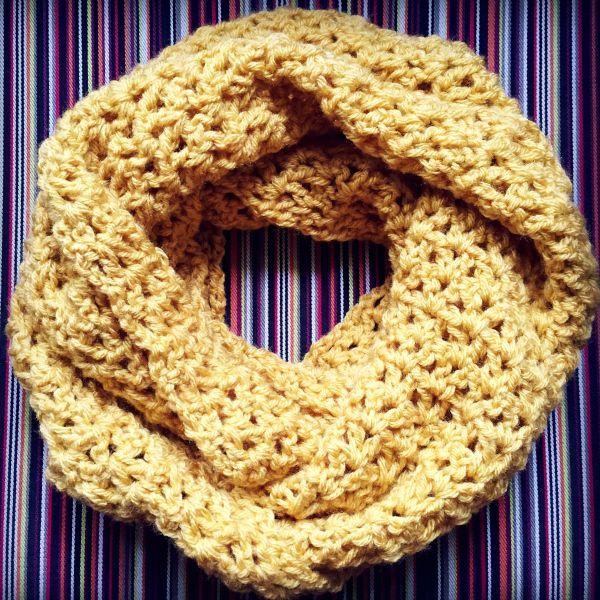 Crochet V-Stitch Infinity Scarf Pattern | Tejido, Blusas lindas y ...