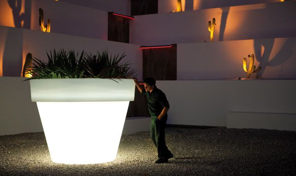 Garden Pots · Giant Illuminated Planter