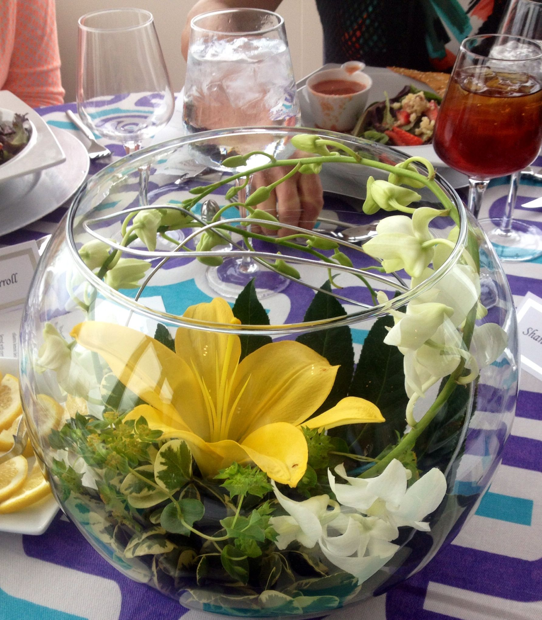 Simple yet beautiful centerpiece for a casual ladies