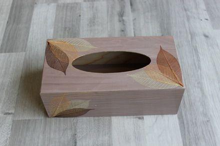 boite à mouchoirs en bois collage feuilles tissu technique utilisé ... - Technique Peinture Acrylique Sur Bois