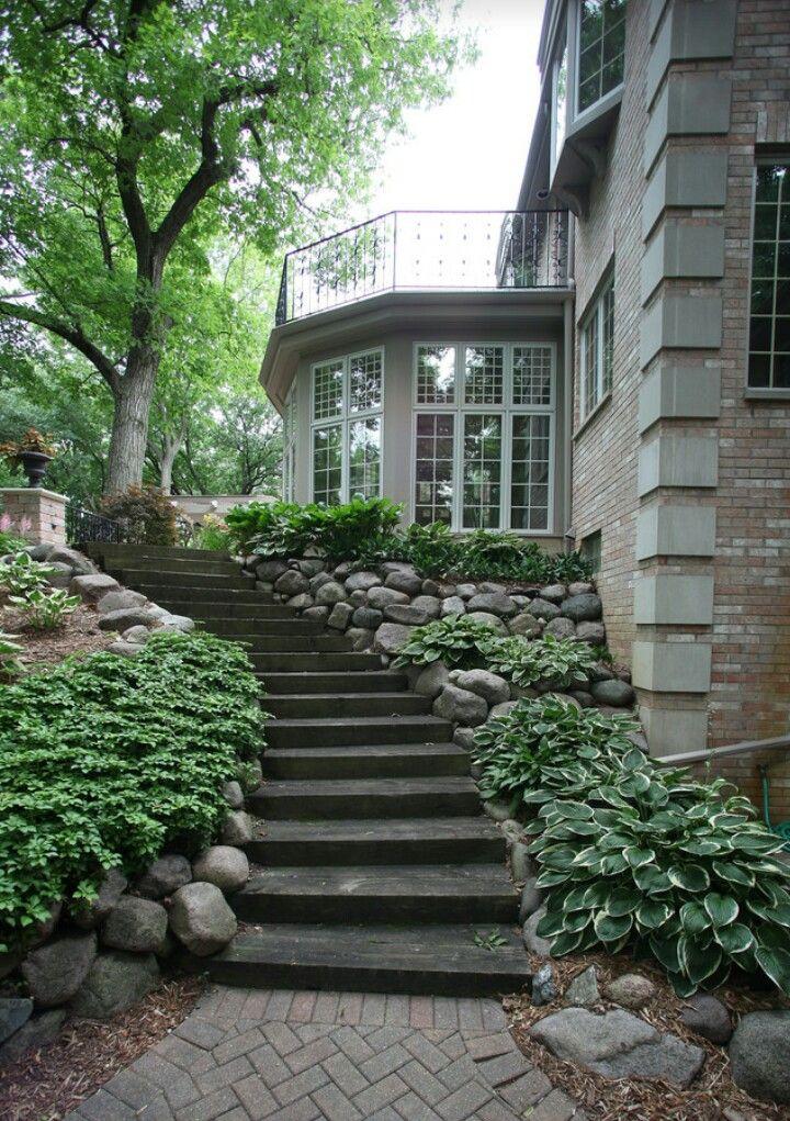 Steps for side yard slope | Traditional landscape ...