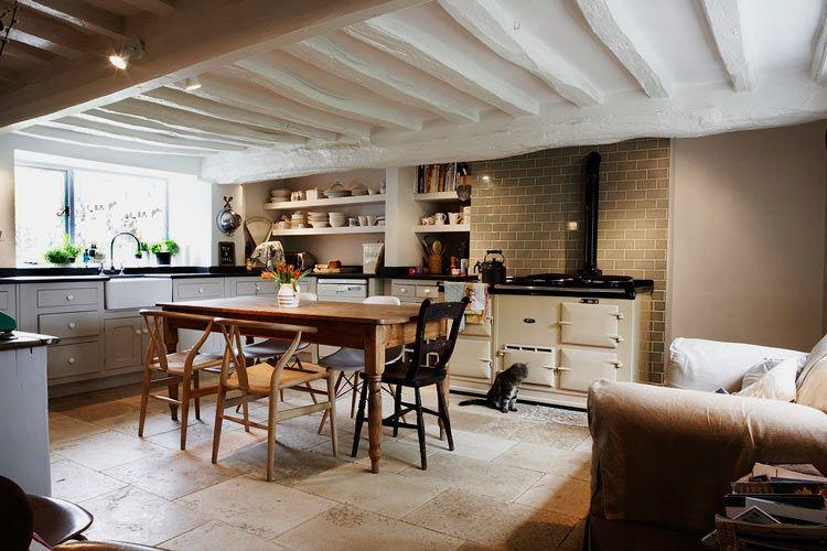 Casa Antigua con Diseño de los 80s | Algo viejo, Algo nuevo y Rusticas