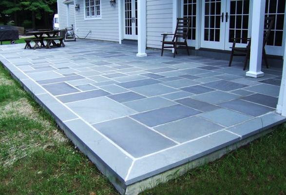 Concrete patio with bluestone border google search for Blue stone paver patio