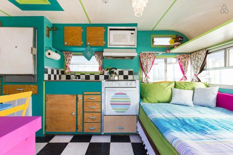 int rieur de caravane comment l 39 am nager illustration camper vintage caravans caravan. Black Bedroom Furniture Sets. Home Design Ideas