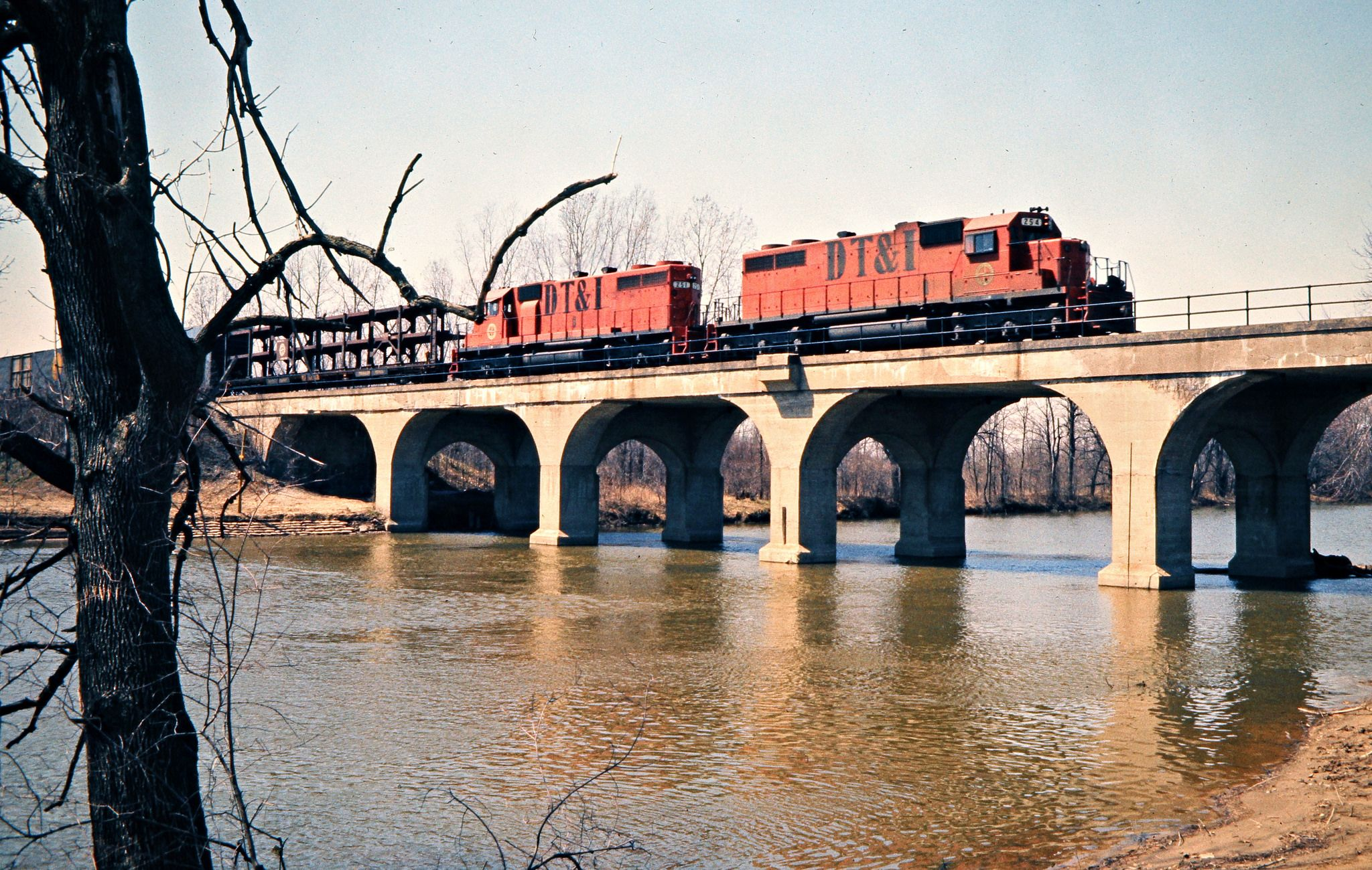 Detroit, Toledo and Ironton Railroad by John F. Bjorklund