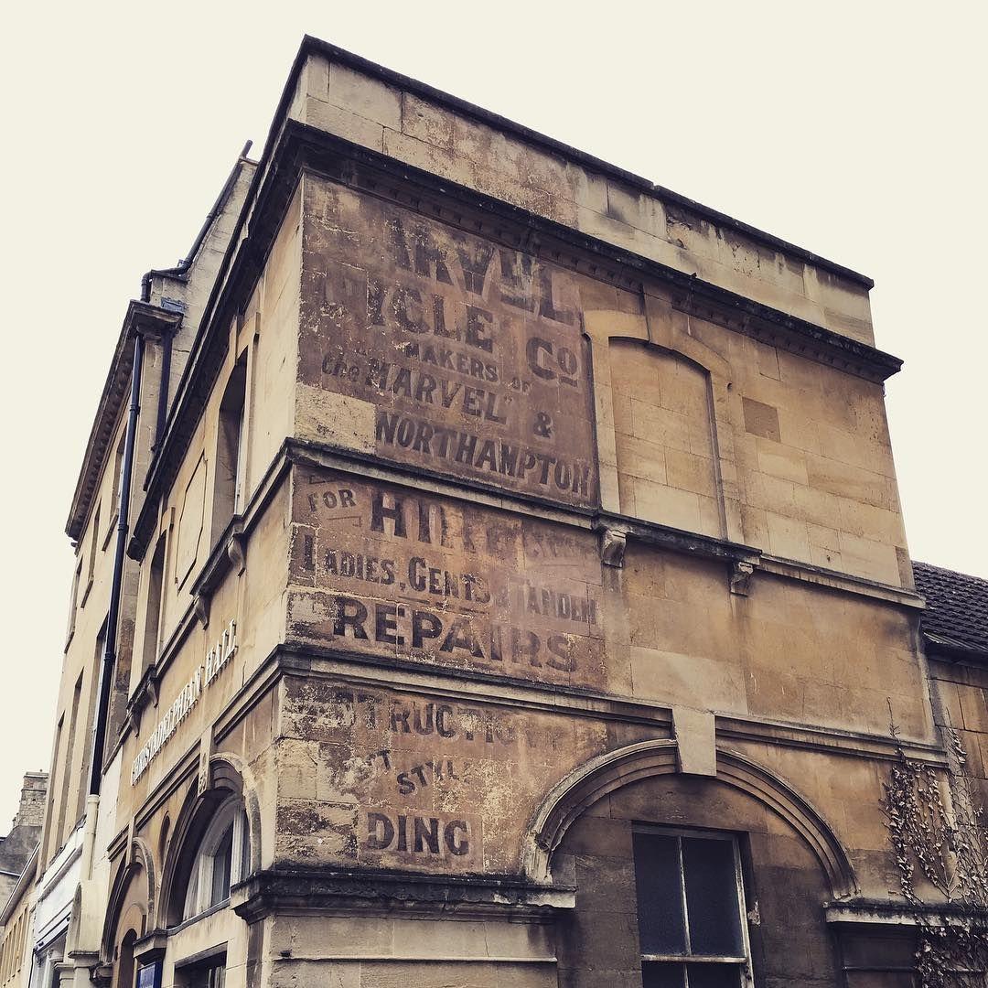 Gorgeous old signage #bath #safinteriors #exploring #georgianbath #signage #bathuk