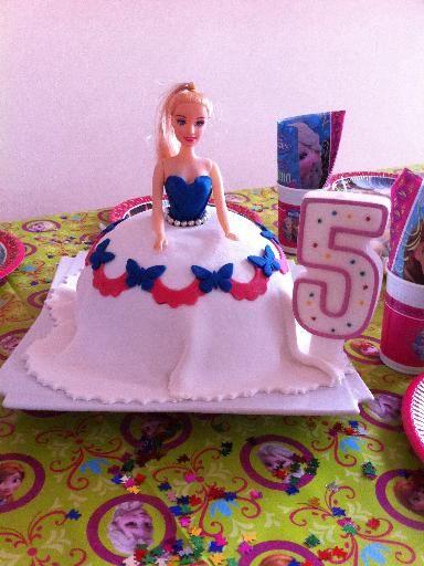 gateau princesse 3d recipe anniversaire filles. Black Bedroom Furniture Sets. Home Design Ideas