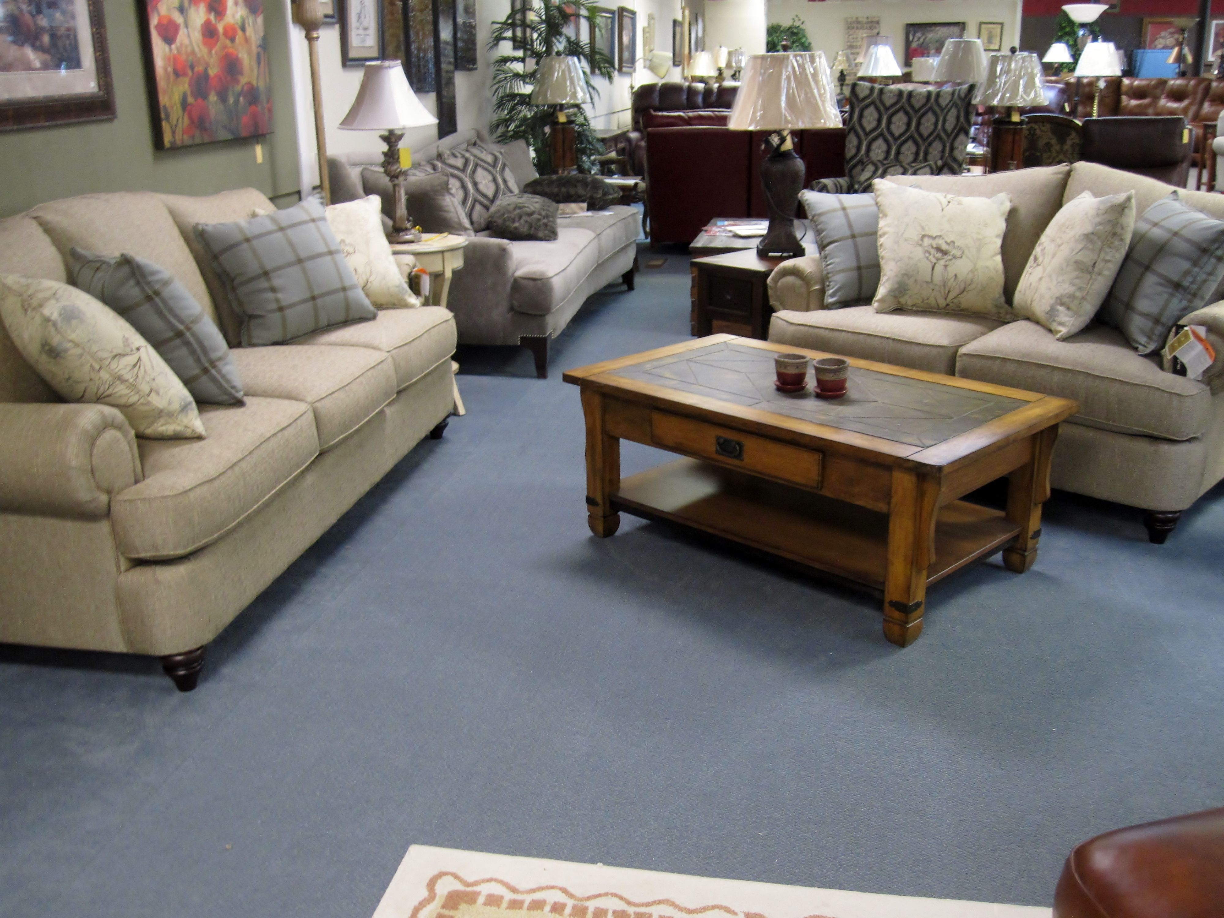 Bassett Barclay Sofa & Love Seat Living Room