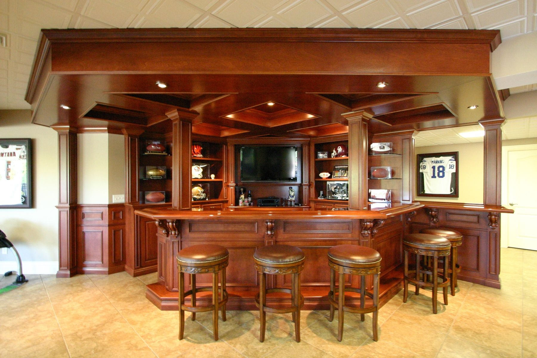 Main Bar Top Forms Angled U-shape Joins With Wall