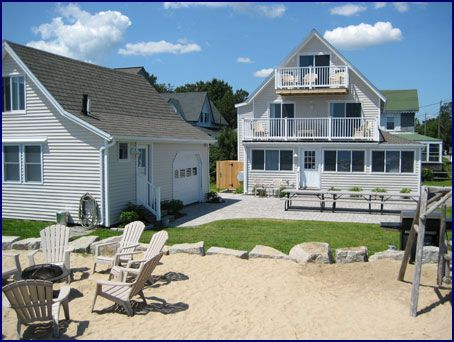 Peekytoe Beachfront Cottage And Carriage House Rental Old Orchard Beach Maine Beachfront Cottage Old Orchard Beach Beach Cottages