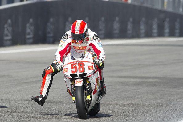 Marco Simoncelli Photos Photos Motogp Of Portugal Race Motogp Motogp Race Racing