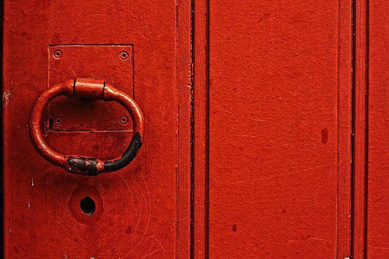 """Simple is Beautiful on Instagram: """"Photo by Francisco Amaral #franciscoamaral #red #door #minimalistphotography #minimalism #photography #photographyart #simpleisbeautiful"""""""