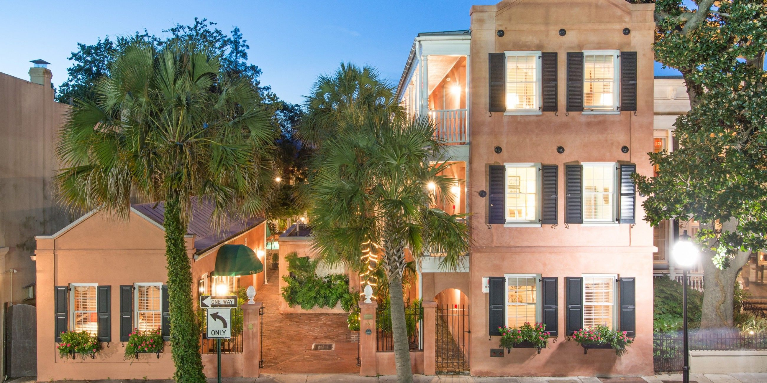 Elliott House Inn (Charleston, SC Charleston hotels