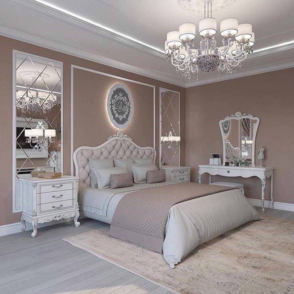 The Elements Of Venetian Interior Design Luxurious Bedrooms Master Bedrooms Decor Classic Bedroom Decor