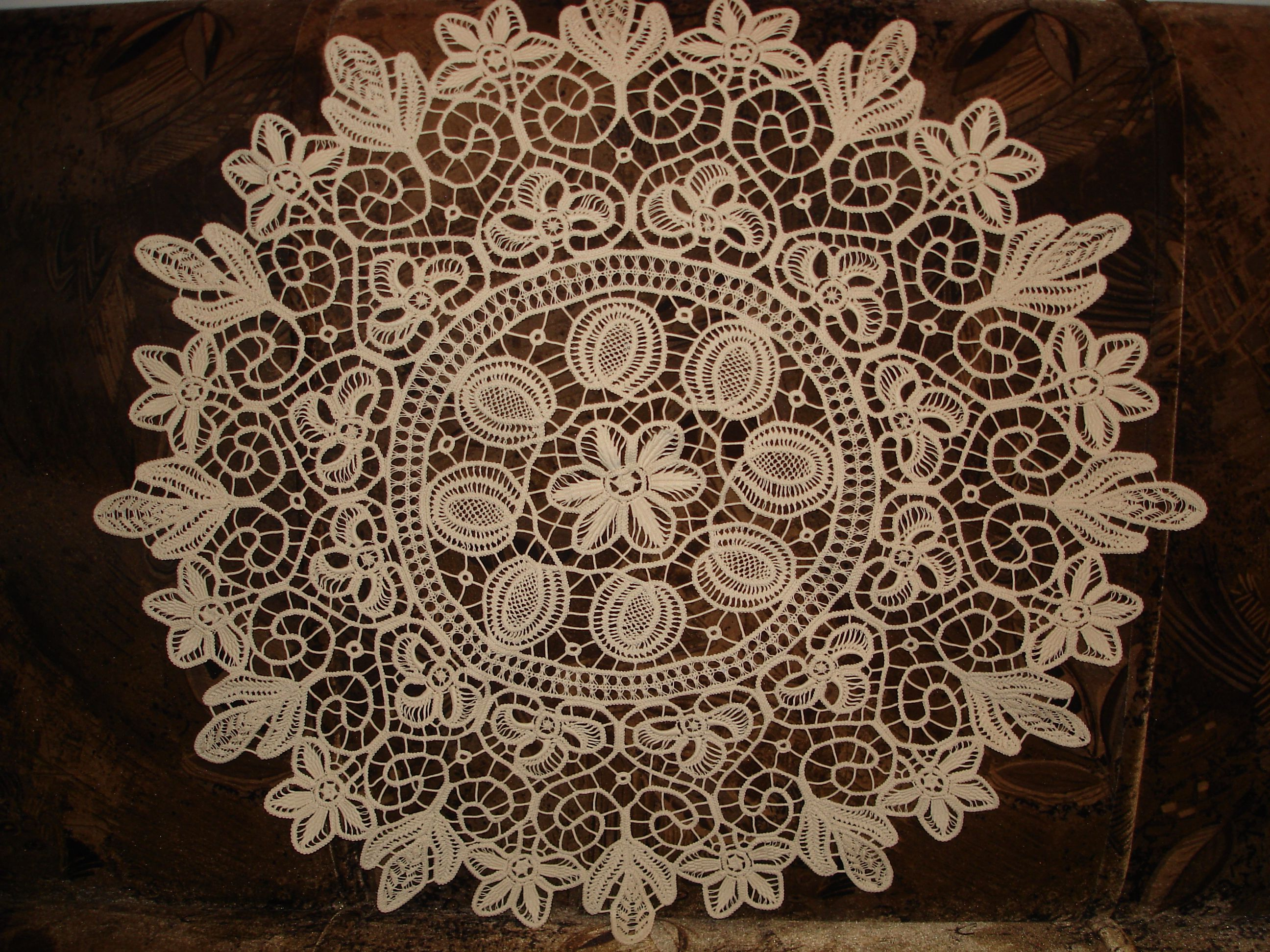 Attractive Round Lace Tablecloths | Romanian Point Lace Tablecloth  Round 80 Cm   No  1258