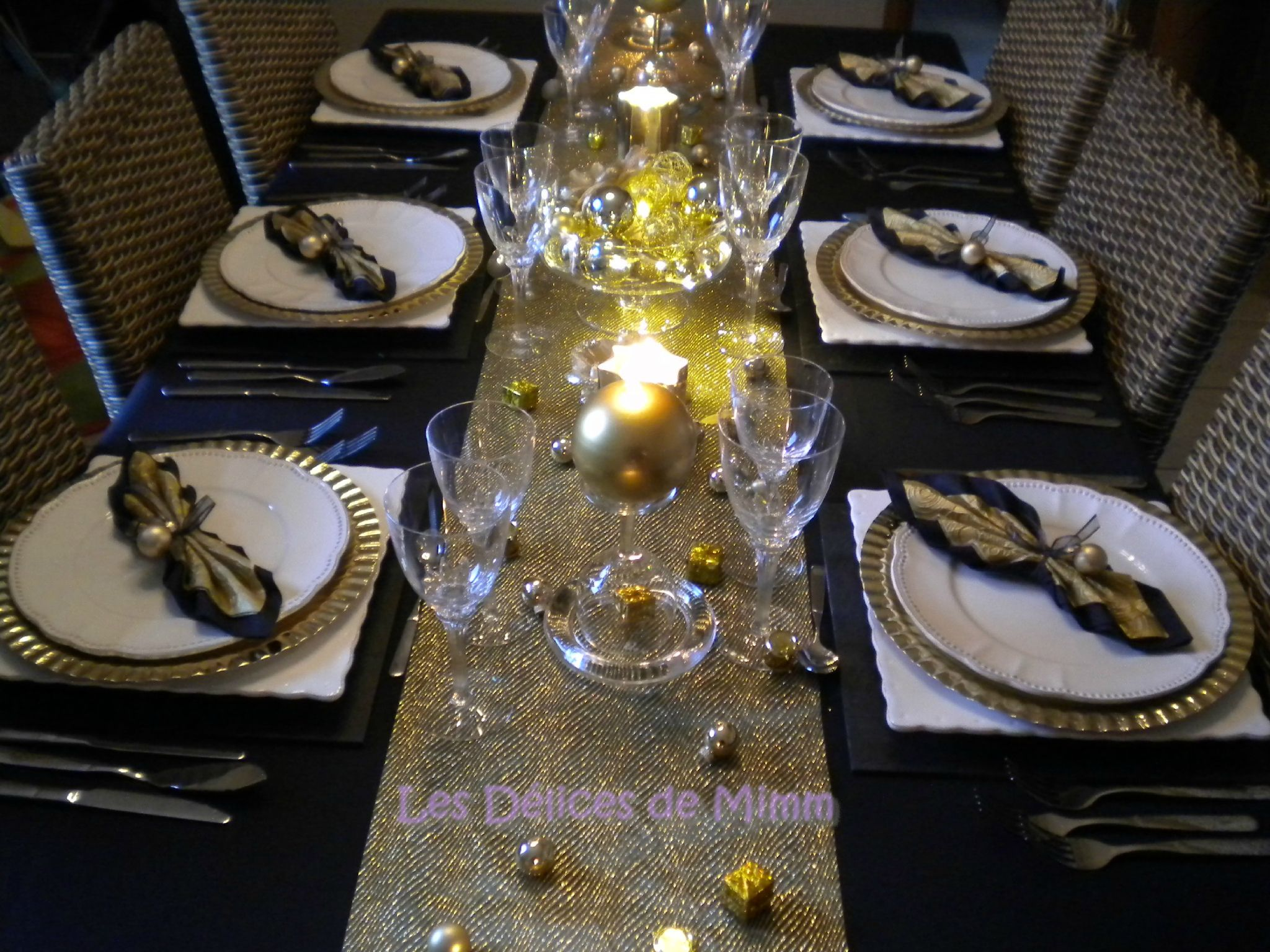 Ma table de réveillon en noir et or 5