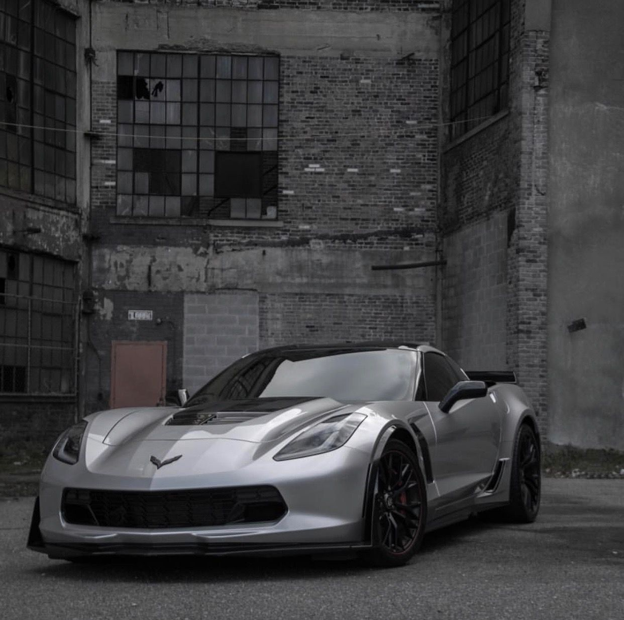 Chevrolet Corvette C7 Z06 Painted In Blade Silver Metallic Photo