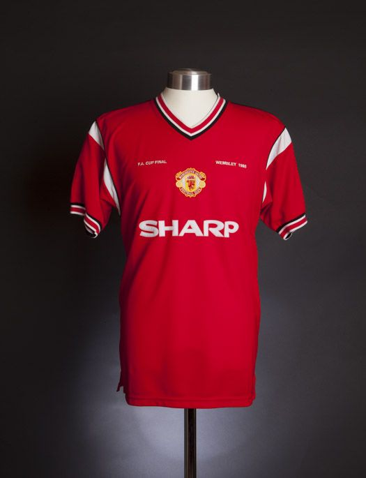 6801cd7818b Manchester United 1985 FA Cup Final shirt