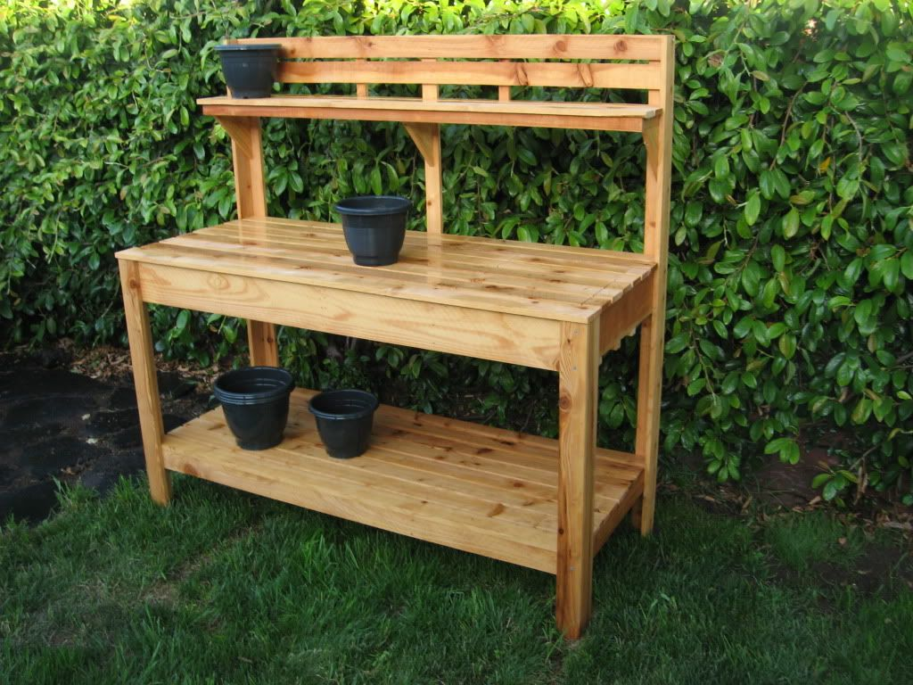 Merveilleux If Youu0027re Tired Of Starting Seeds On The Kitchen Counter, Use These Free,  DIY Potting Bench Plans To Build Your Own Outdoor Potting Station!