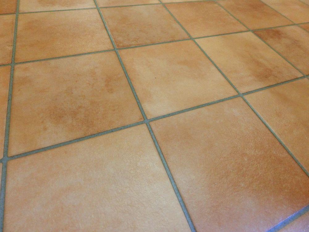 洗面室の床は サンゲツのクッションフロア テラコッタ Hm1113