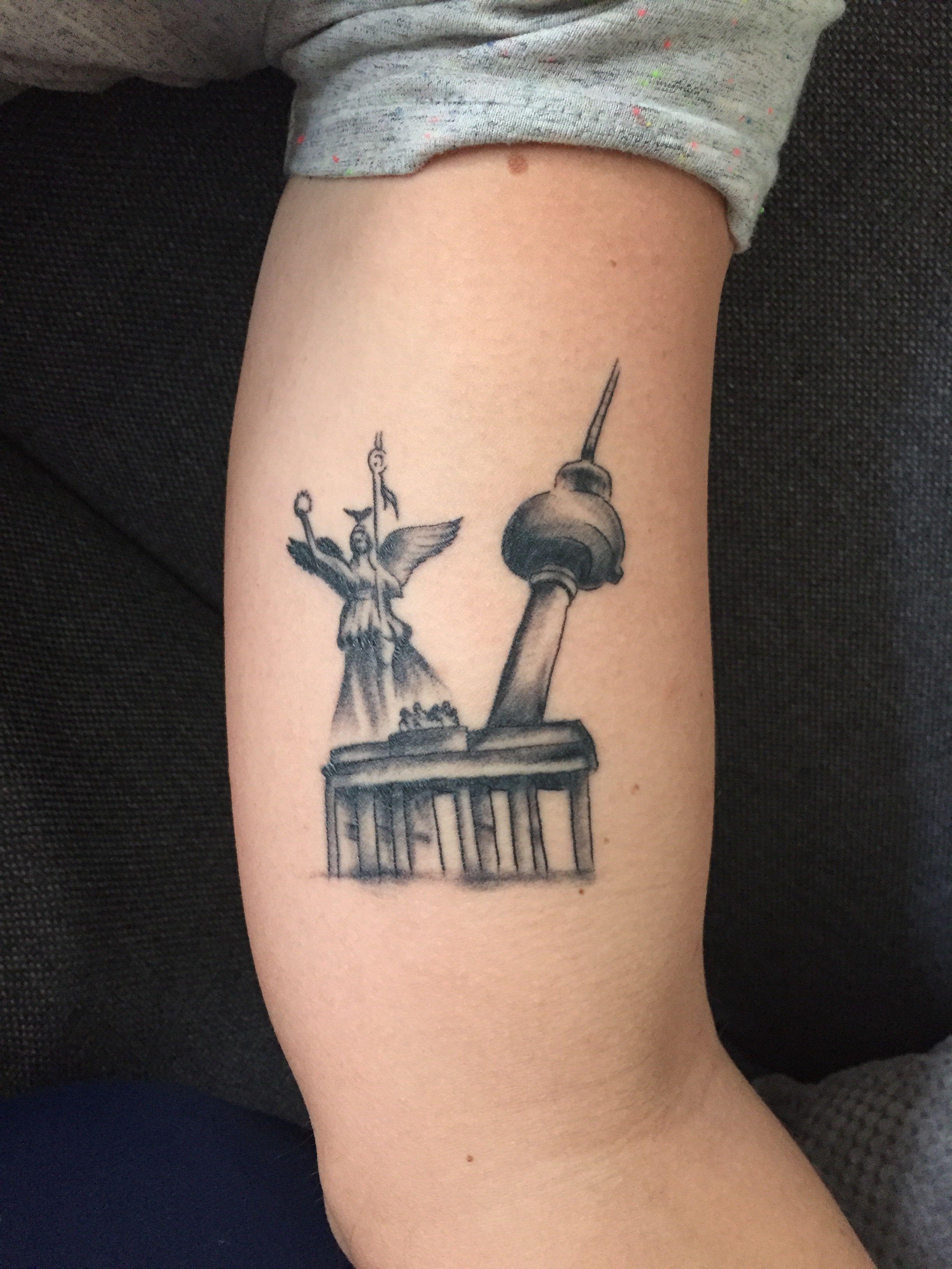 Tattoo Berlin Brandenburger Tor Fernsehturm Siegesaule Berlin Tattoo Fernsehturm Brandenburger Tor Alternati In 2020 Tattoos Animal Tattoo Tattoo Designs
