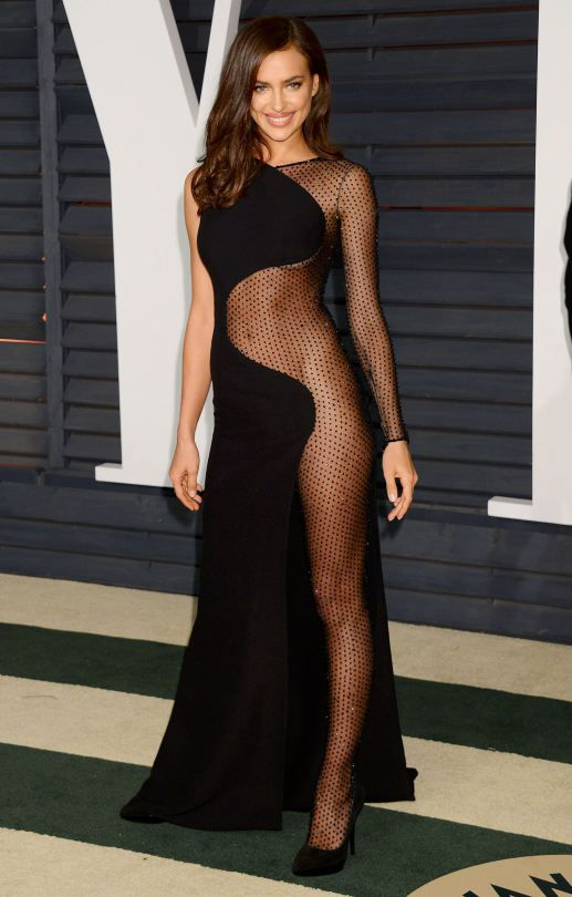 irina shayk hot black dress in vanity fair oscar party in hollywood