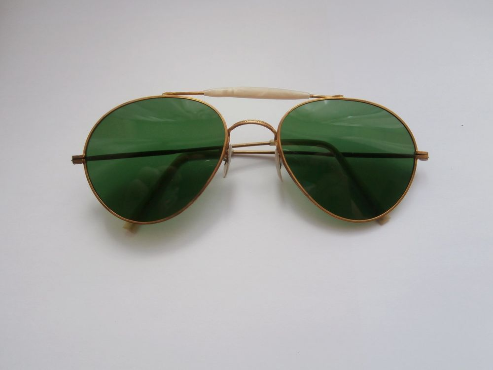 483aa816785b6 BNWOT Vintage 1940s Green Lens Gold Wire Aviator Shaped Sunglasses Deadstock