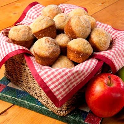 Chunky Apple Mini Muffins @keyingredient #muffins #pie