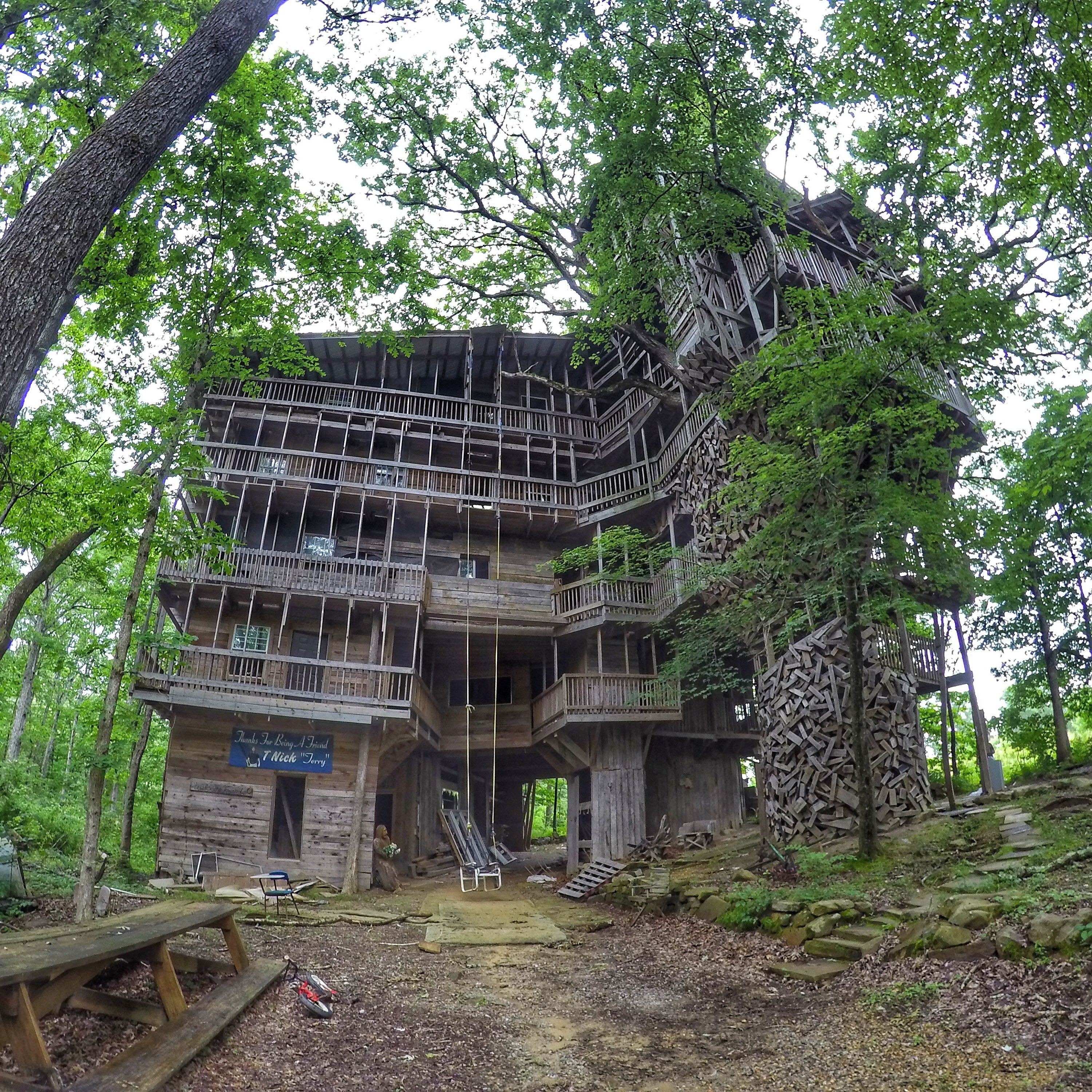the ministers treehouse in crossville tnthe world largest treehouse