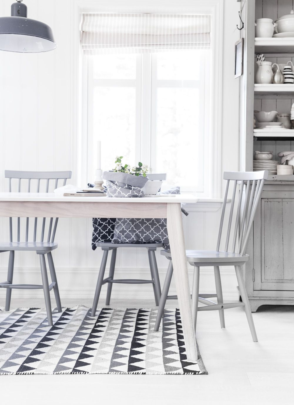 dining room inspiration new table with old chairs. Black Bedroom Furniture Sets. Home Design Ideas