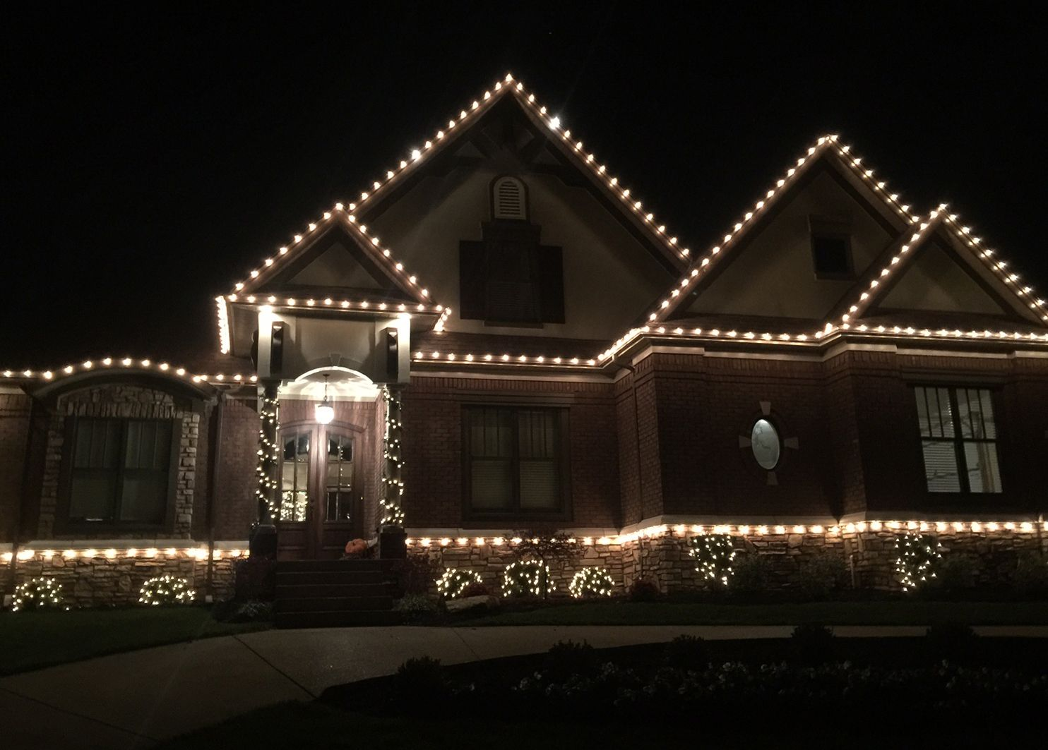 At Whcl We Take Great Pride In Our Craftsmanship All Of Past How Do Christmas Lights Work Projects Hanging Lightschristmas