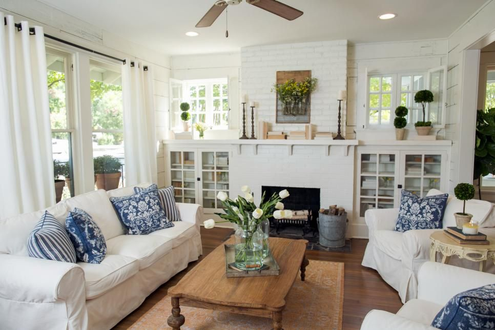 Fixer Upper S Best Living Room Designs And Ideas Hgtv S Fixer Upper With Chip And Jo Bungalow Living Rooms Country Living Room Design Fixer Upper Living Room