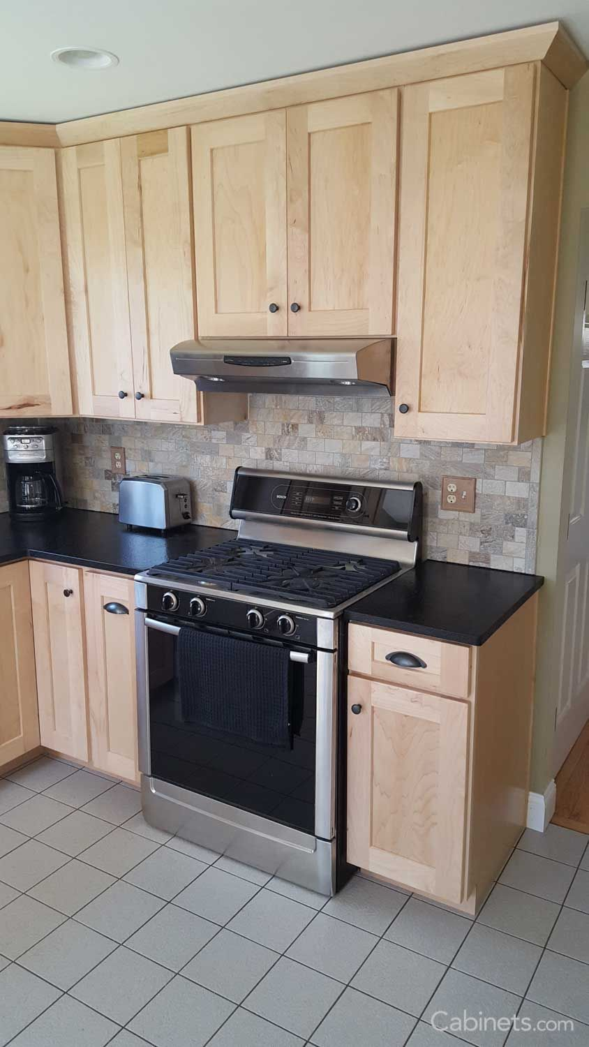 Shaker II Maple Natural | Shaker style kitchen cabinets ... on Natural Maple Cabinets With Black Granite Countertops  id=60483