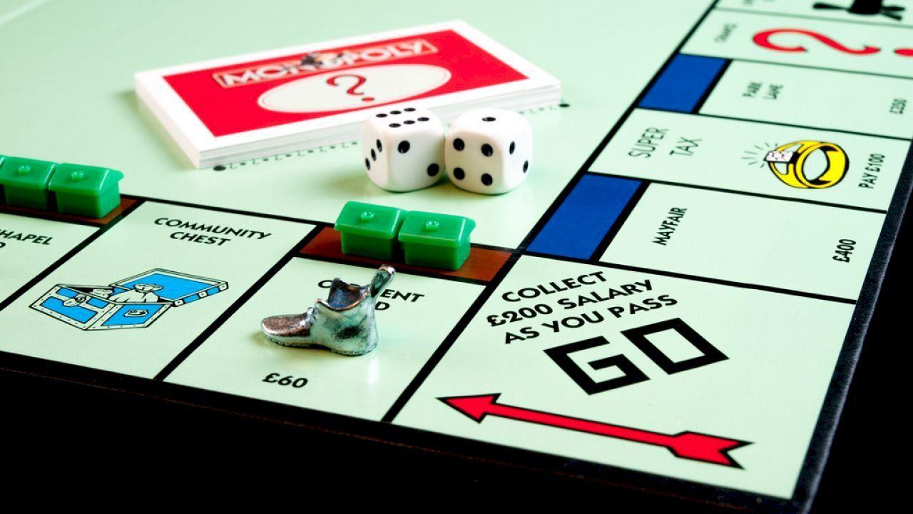 طريقة لعب المونوبولي Monopoly Rule Of Three Who Will Win