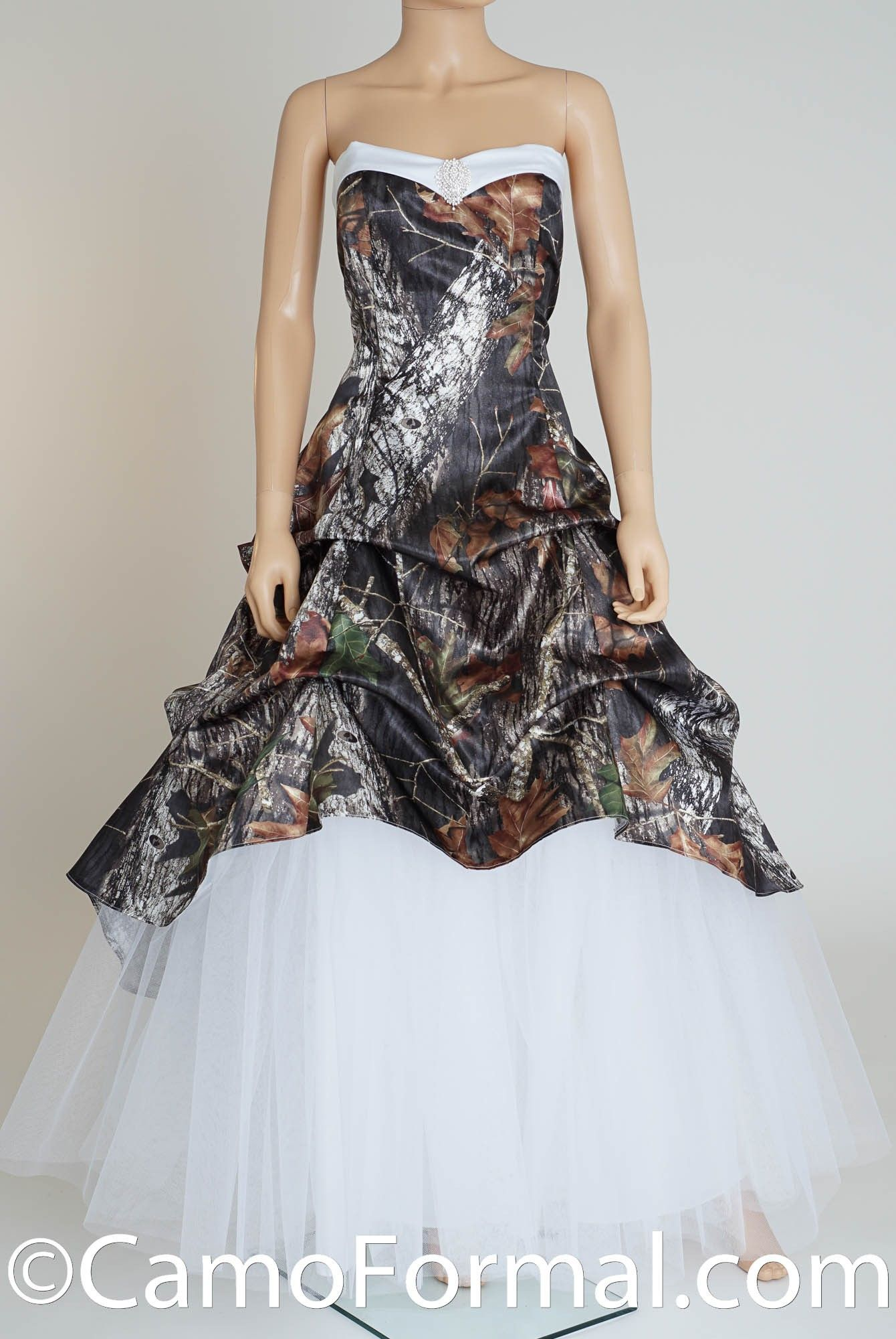 Realtree wedding dresses  Shown in Realtree APG and White Satin  Plus size Wedding Dresses