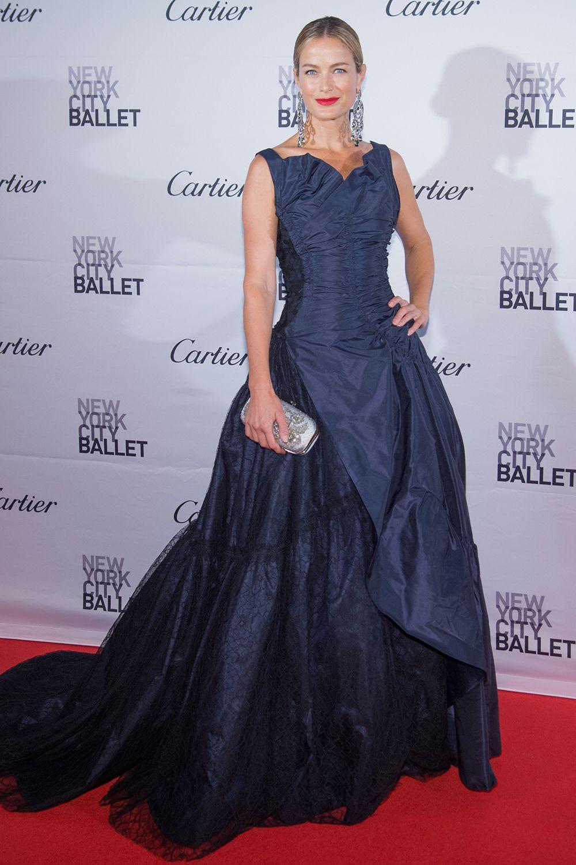 10.30.15  Carolyn Murphy in Oscar de la Renta at NYC Ballet