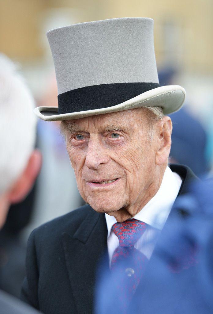 Prince Philip Photos Photos Elevated View Of The Queen's Garden Party is part of British garden Party - Prince Philip Photos  Prince Philip, Duke of Edinburgh greets guests attending a garden party at Buckingham Palace on May 24, 2016 in London, England   Elevated View Of The Queen's Garden Party
