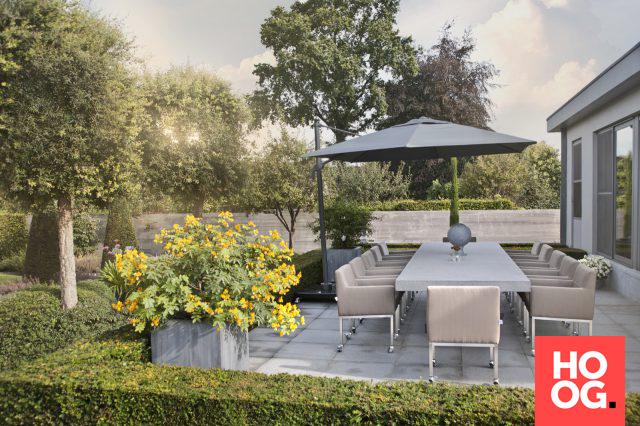 Luxe tafel met design tuinstoelen veranda ideas outdoor