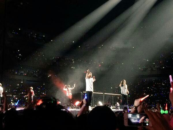 One Direction Performing At The Saitama Super Arena Tokyo