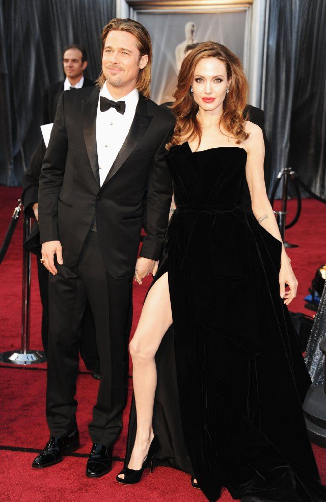 The 84th Annual Academy Awards Red Carpet Photo Gallery Brad Pitt And Angelina Jolie Oscar Fashion Academy Awards Red Carpet