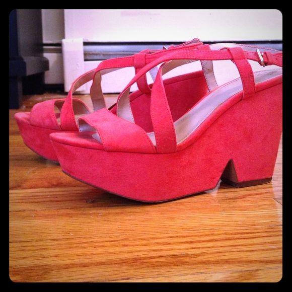 Zara Trafaluc Coral Platforms 37 Rarely worn & in good condition! Zara Shoes Platforms