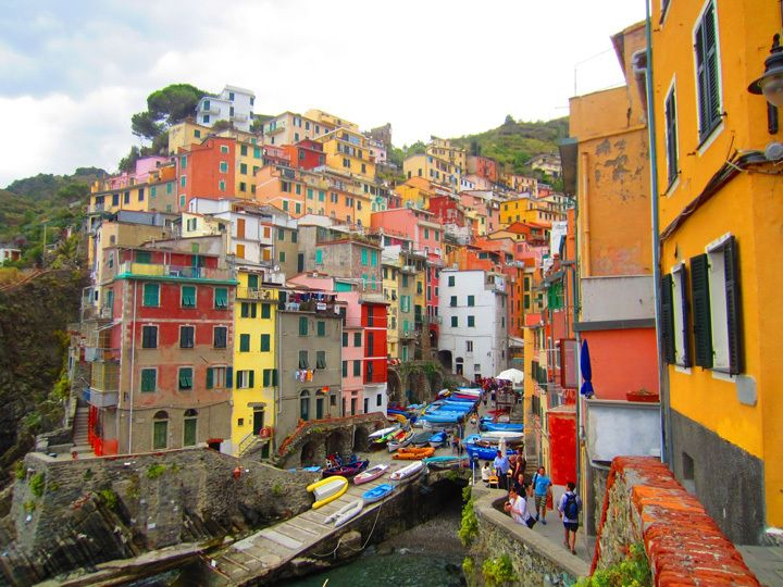 Riomaggio - Itália | As 10 Cidades Mais Coloridas do Mundo | http://www.bimbon.com.br/projeto/as_10_cidades_mais_coloridas_do_mundo