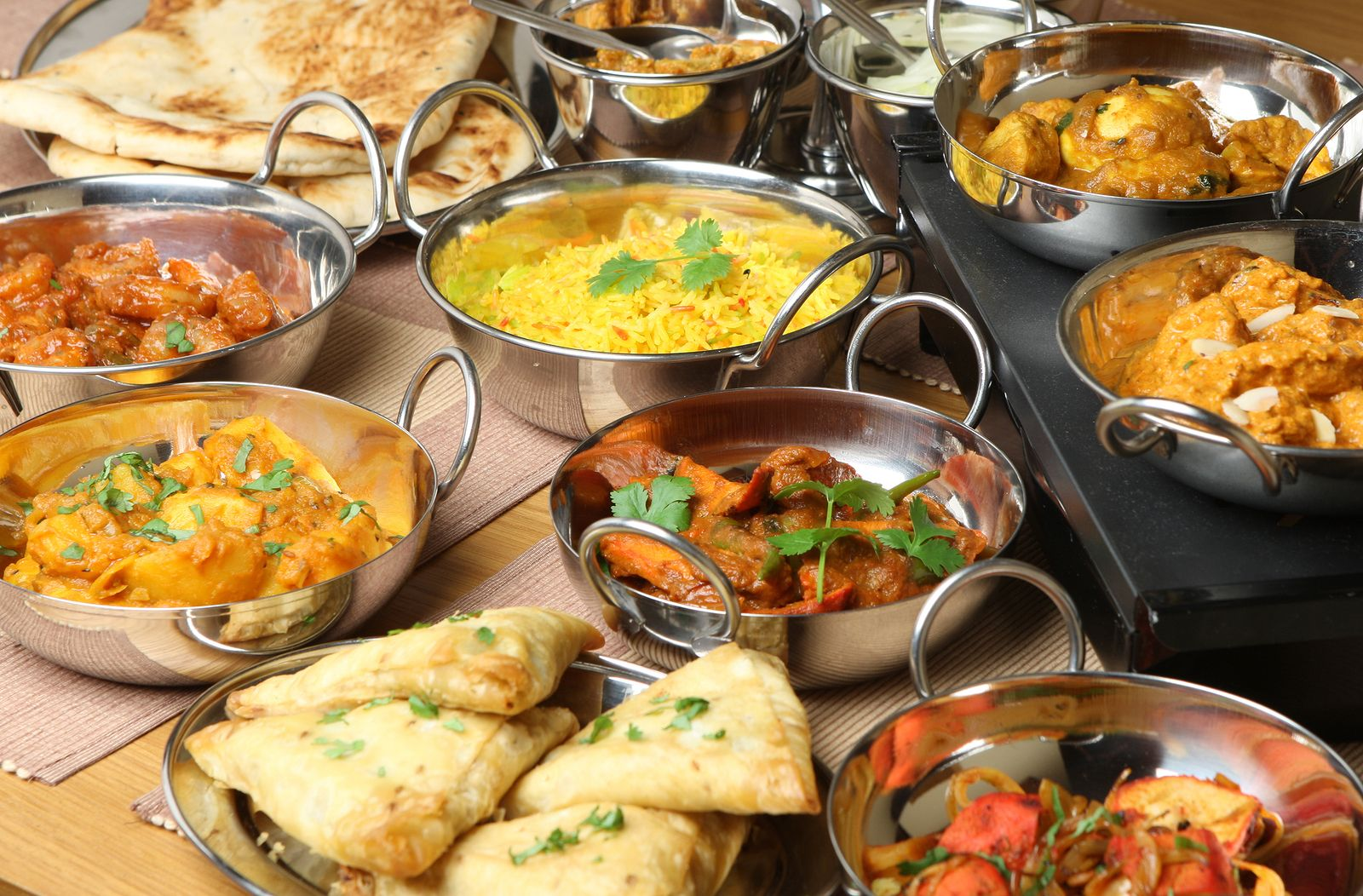 The Task Of Organizing A Marriage Party Isn T Easy Booking The Services Of A Caterers In Delhi Proves Immensel Indian Food Recipes Indian Dinner Spicy Recipes