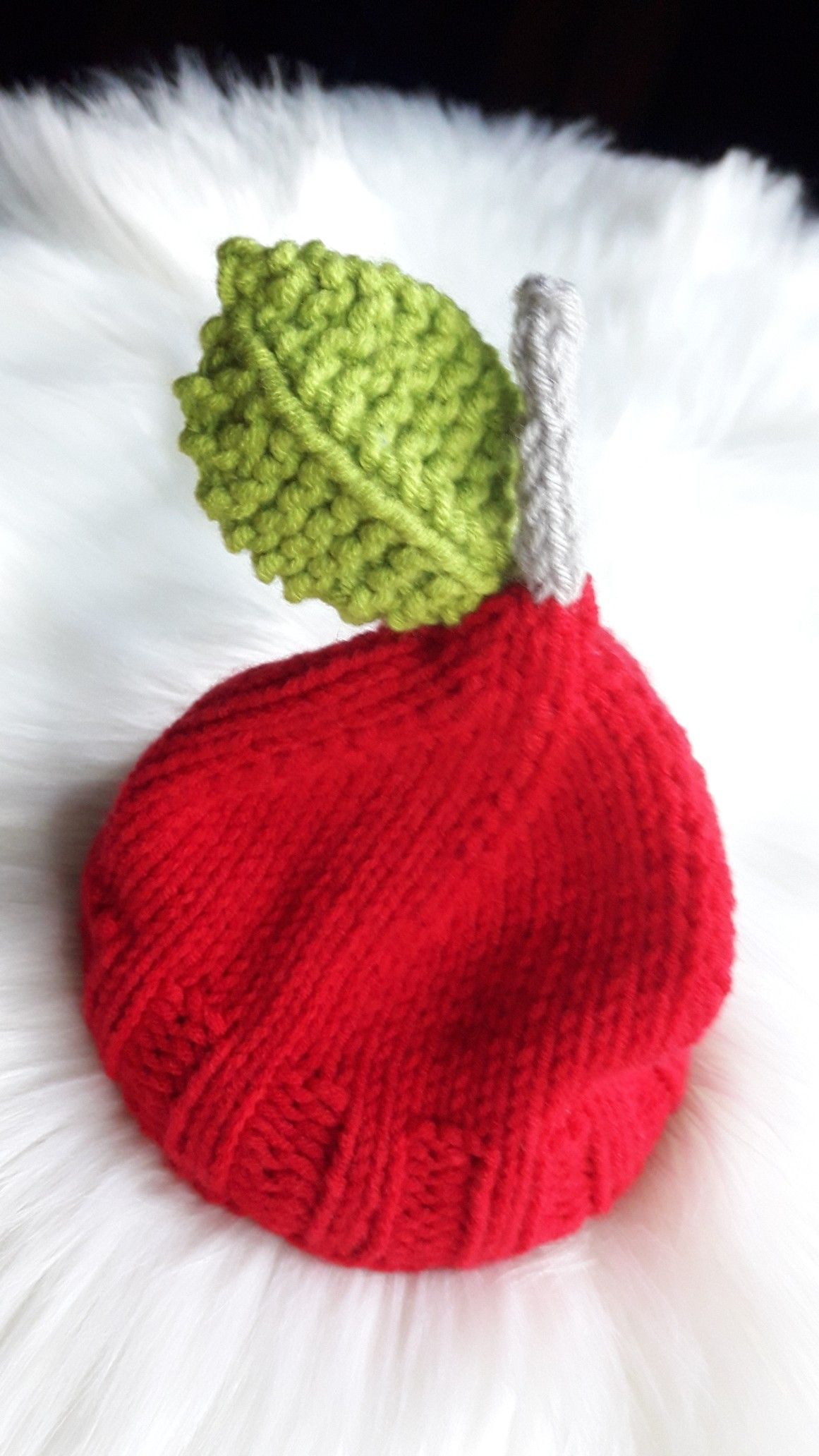 Knitting Apple Hat | Knitting, Knitted hats, Apple hat