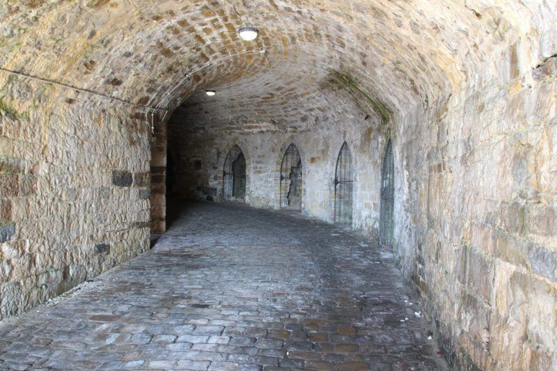 Prunk Und Glamour Der Burg Hohenzollern Der Schonsten Burg In Baden Wurtemberg Burg Deutschland Burgen Unterirdisch