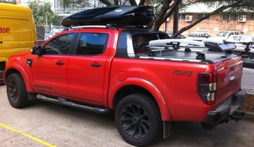 Thule Excellence Black And Titan Roofbox On Ford Ranger Jpg 1 024 594 Pixels Ford Ranger Best Car Insurance Ford Ranger Wildtrak