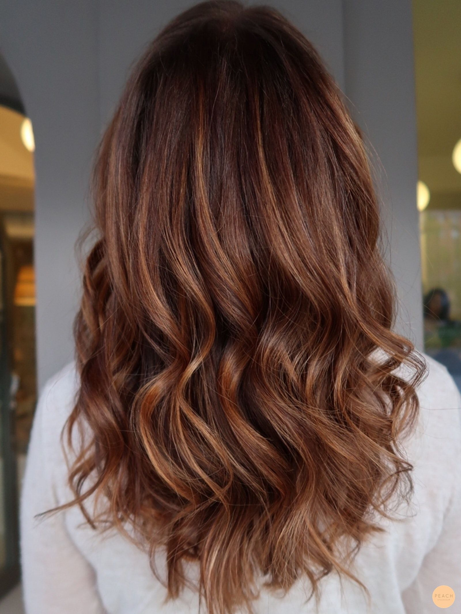 toning brunt hår