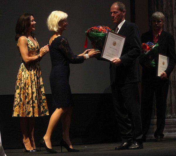 25 September 2016 - Crown Princess Mary presents the Research Prizes of the Carlsberg Fund 2016, in Copenhagen - dress by Marc Jacobs, shoes by Gianvito Rossi